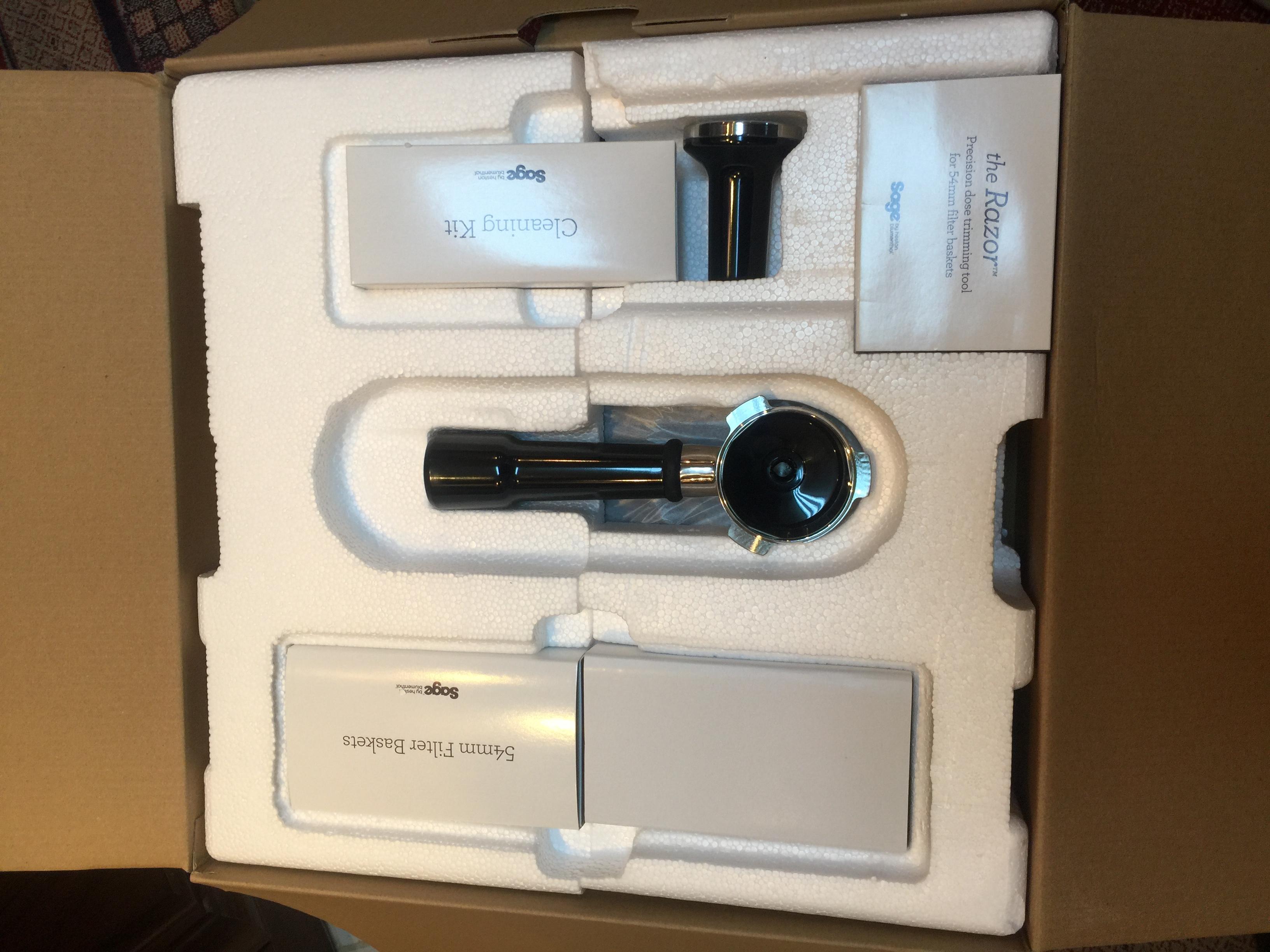 تجربة شراء مكينة قهوة Sage SES875BTR2GUK1 Barista Express Black Truffle5