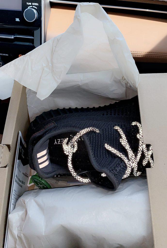 تجربة شراء حذاء يزي YEEZY أديداس Adidas من موقع ستوك Stock4