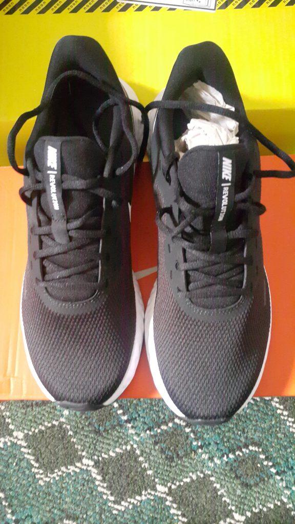 تجربة شراء حذاء Nike من موقع نون Noon2